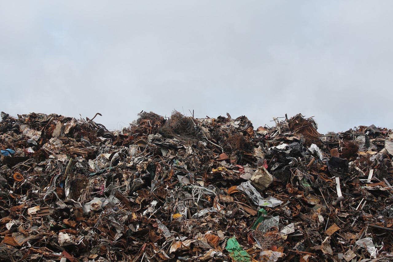 Trash Burning vs Landfill